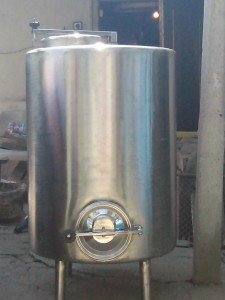 съд цистерна за мляко 300 литра
